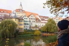 Centro de Tübingen desde orillas del río Neckar