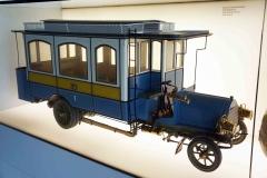 Antiguo autobús, Museo Mercedes-Benz, Stuttgart