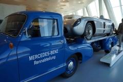 Antigua grúa, Museo Mercedes-Benz, Stuttgart