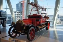 Antiguo coche de bomberos, Museo Mercedes-Benz, Stuttgart