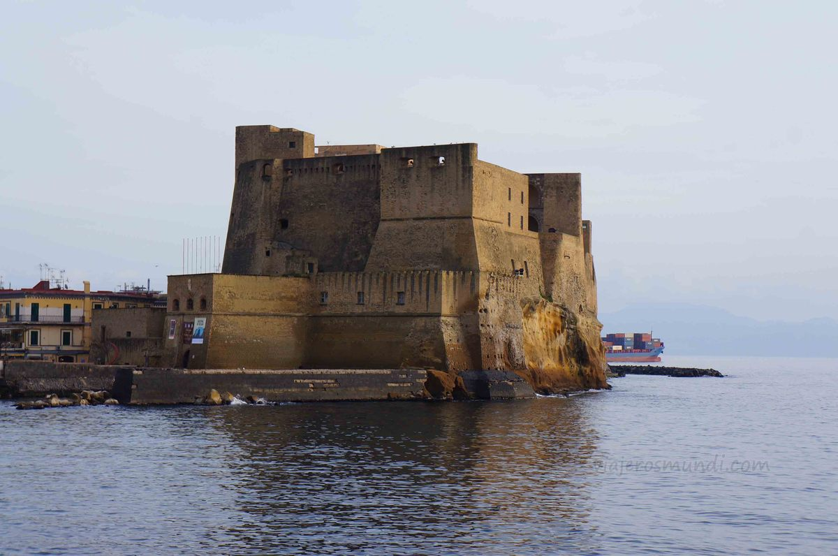 Castel dell'Ovo en Nápoles