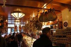 Tienda de Tamburini en Bolonia