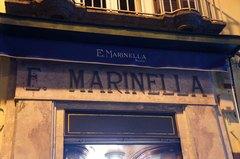 Marinella, famosa tienda de corbatas en Nápoles