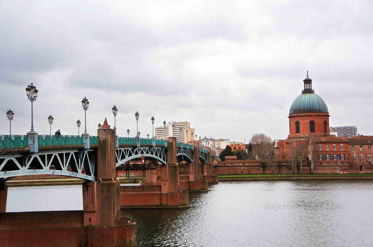 Cúpula de La Grave desde el río Garona en Toulouse