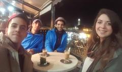 Bebiendo café con leche y té en Marrakech