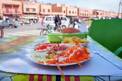 Un almuerzo en las calles de Marrakech