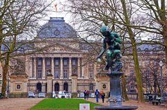 Palacio real y sus jardines en Bruselas