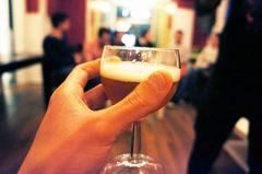 Cata de cerveza belgas en un hostal de Brujas