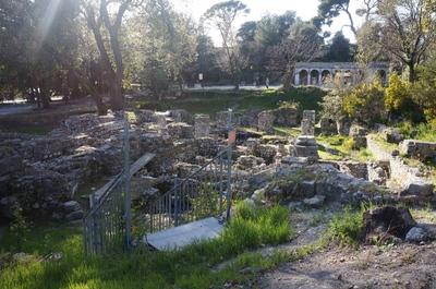 Ruinas en el monte Bobon, Niza
