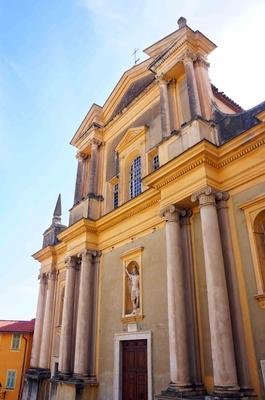 Iglesia de San Miguel Arcángel en Menton