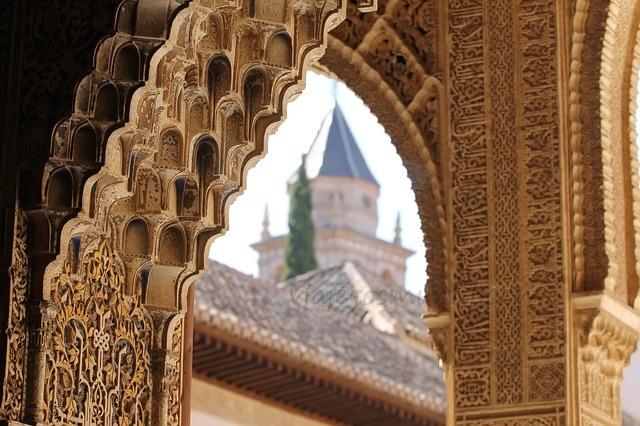 large.Alhambra.jpg.b44acd698e66144b734371e2d703aed3.jpg