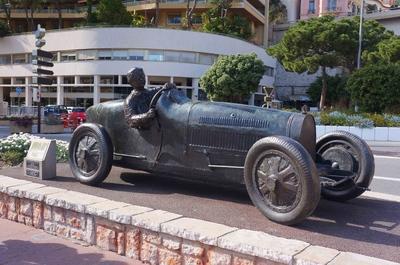 Estatua de fórmula 1 en Mónaco
