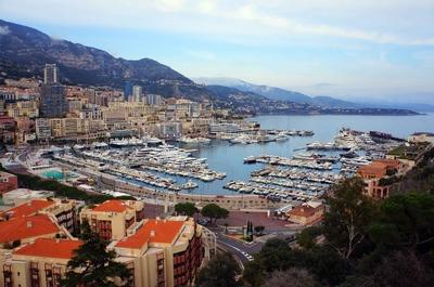 Vista de Mónaco desde su centro histórico