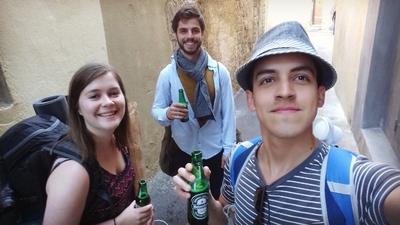 Cervezas en las calles de Aviñón