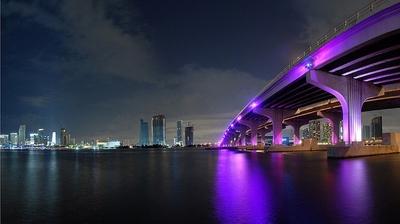 Miami de noche.jpg