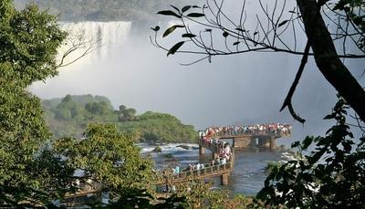 Pasarelas Iguazú.jpg