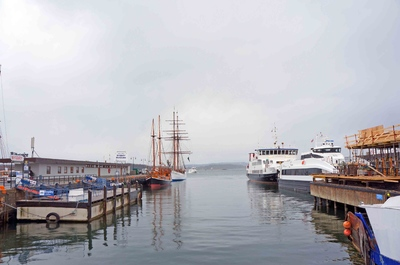 Embarcadero en el malecón de Oslo