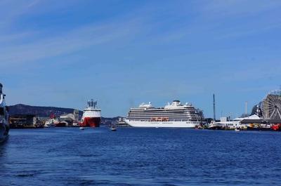 Un crucero en el puerto de Bergen