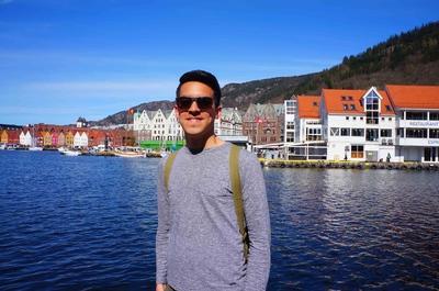 Vista de Bryggen y el malecón en Bergen, Noruega