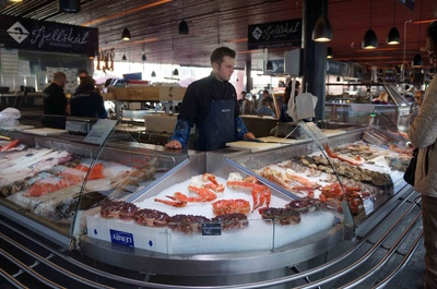 Mercado de pescados en Bergen, Noruega
