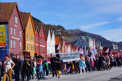 Desfile del Día del Trabajo en Bergen, Noruega