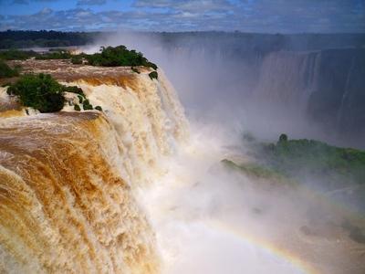 waterfall-106924_640.jpg