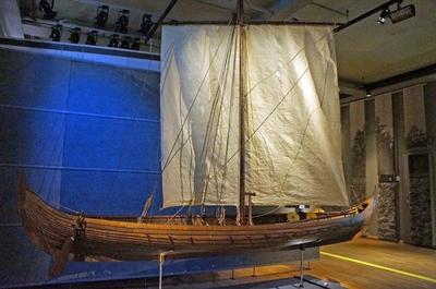 Réplica de un dakkar en el Museo de Historia Sueca en Estocolmo