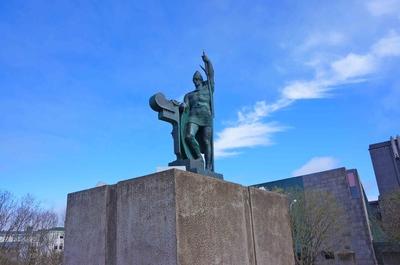 Estatua de Ingólfur Arnarson, fundador de Reikiavik