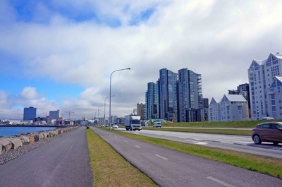 Avenida del malecón de Reikiavik