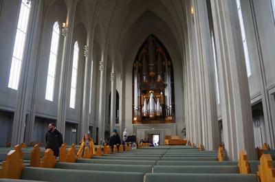 Interior de la iglesia Hallgrímskirkja en Reikiavik