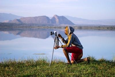 Tomando fotografías en la naturaleza.jpg