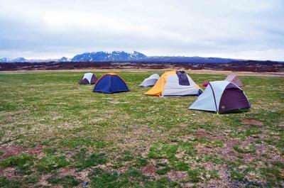 Camping en el Parque nacional Þingvellir en Islandia