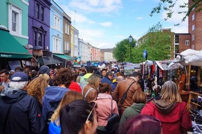 Portobello Road Market en Nothing Hill, Londres