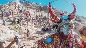 Espuma en el carnaval de Tilcara.jpg