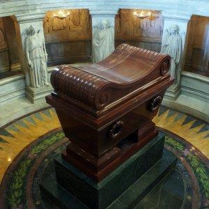 Tumba de Napoleón Bonaparte en Los Inválidos, París