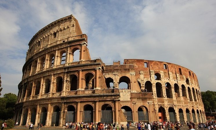 the-colosseum-2182384_640.jpg