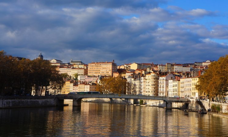 La Croix-Rousse desde el río Saone, Lyon