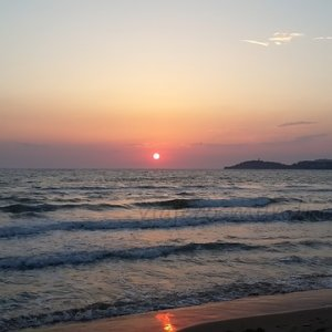 sunrise-1121484_640.jpg