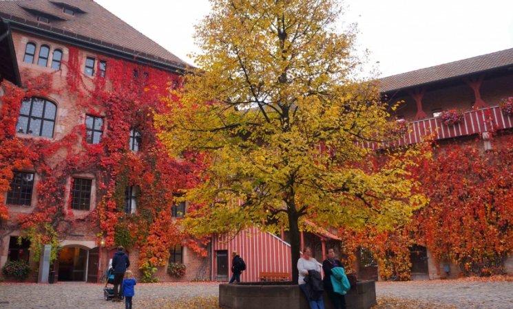 Patios interiores del castillo imperial de Núremberg