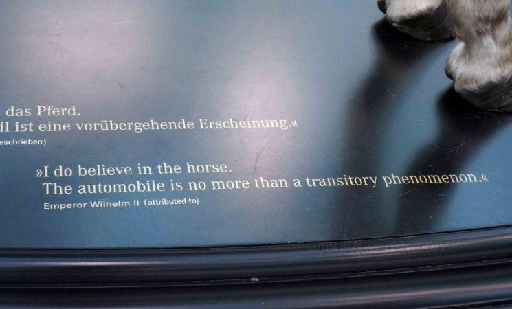 Insignia al caballo, Museo Mercedes-Benz, Stuttgart