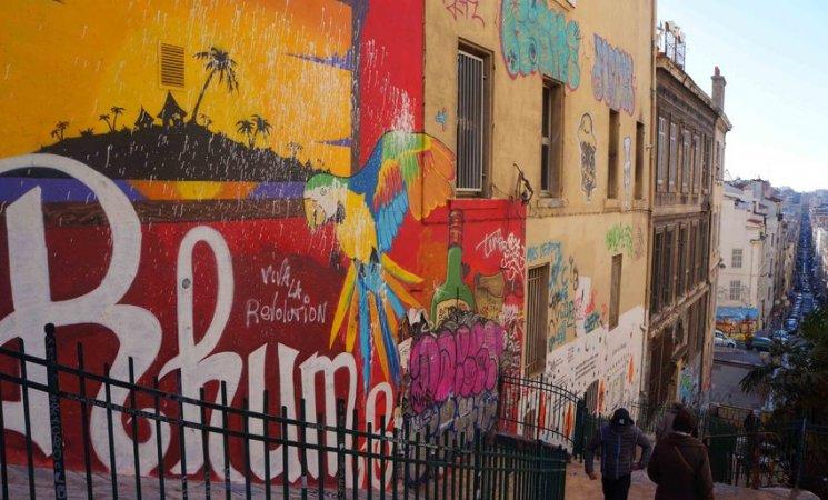 Escaleras de Cours Julien, en Marsella