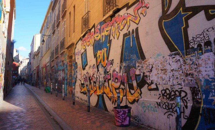 Calles de Cours Julien, en Marsella