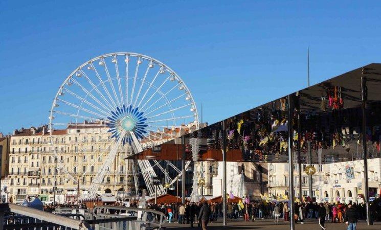 Plaza del puerto antiguo de Marsella