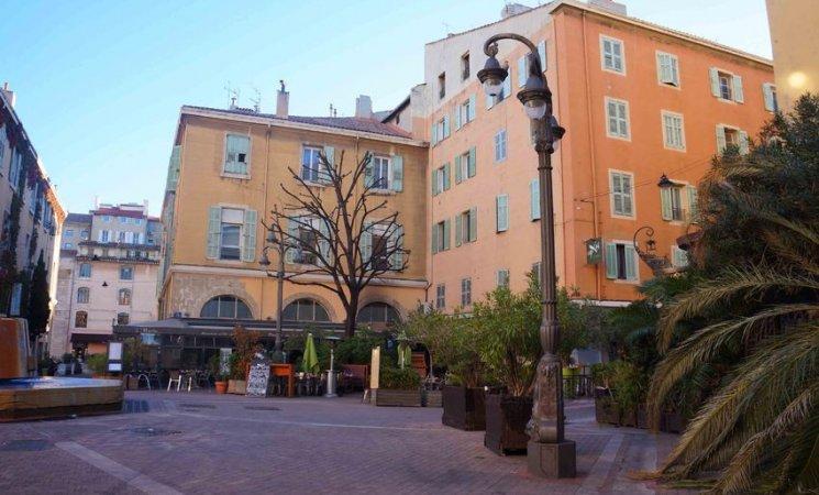 Plazas del puerto antiguo de Marsella