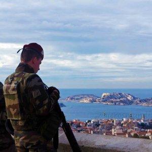 Militares custodiando Marsella