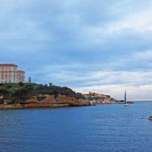 Palacio del faro desde el fuerte de Saint-Jean, Marsella