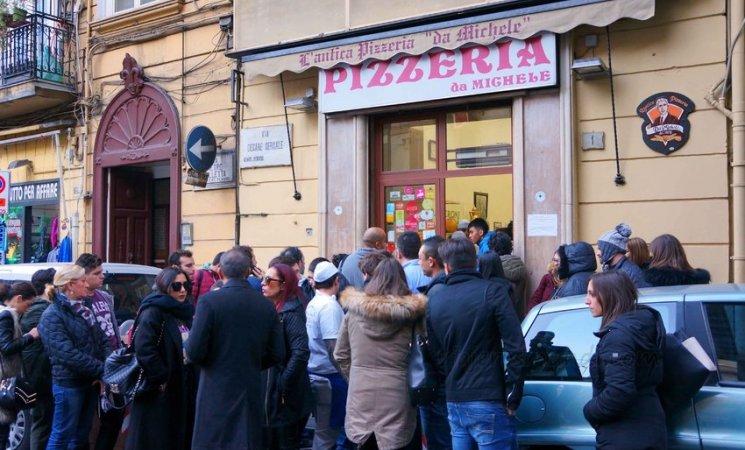 Pizzeria de Michele en Nápoles