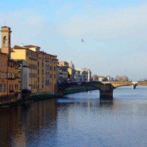 Río Arno en Florencia