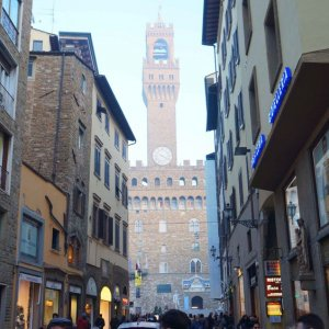 Palacio Vecchio desde las calles de Florencia