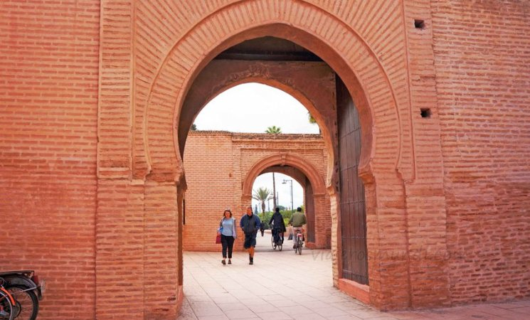 Entrada a la Mezquita Kutubía en Marrakech